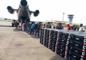 RDC/Nord-Ubangi: des machines à voter réceptionnées et présentées à l'autorité provinciale