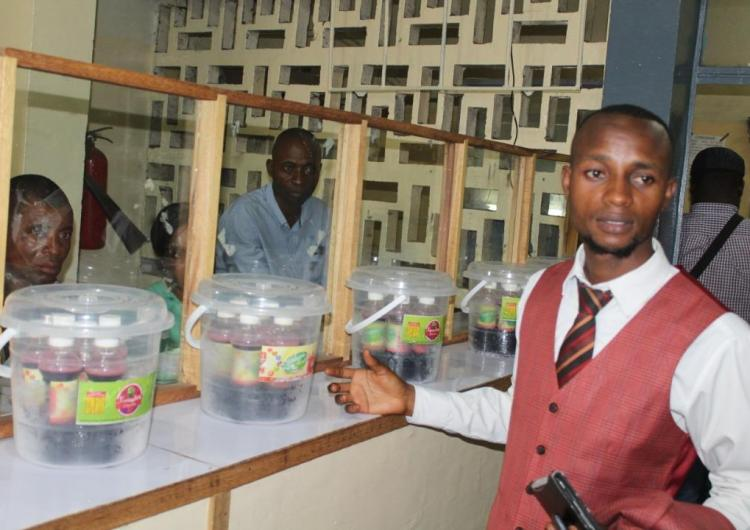 """RDC/Santé: l'ONG HPE met sur le marché le jus """" Nounous"""" pour les anémiques"""