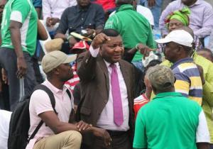 """DCMP : Amos Mbayo jette l'éponge, les """"gilet verts"""" gagnent !"""