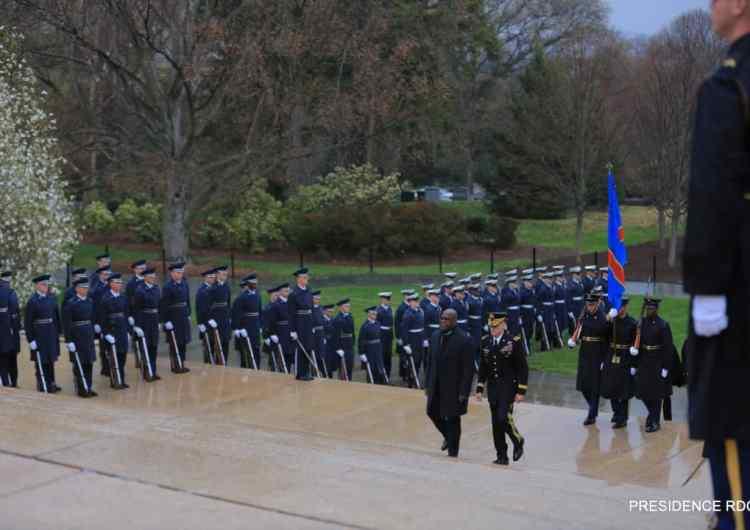 RDC/USA: parade et 21 coups de canon à Arlington en l'honneur de Félix Tshisekedi