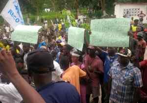 RDC/Boma: marche de colère des jeunes contre le pont route-rail Kin-Brazza