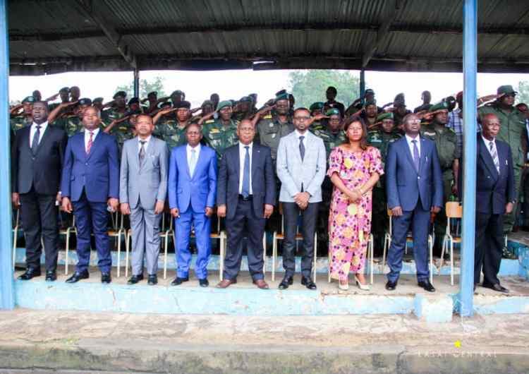 """Kasaï Central: """"Des chefs des partis sont révoltés parce que leurs copines n'ont pas été nommées""""(vice gouverneur Ambroise KAMUKUNYI)"""