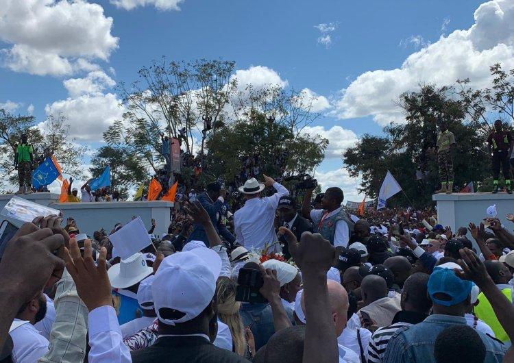 ? Moise Katumbi acceuilli par une foule à Lubumbashi