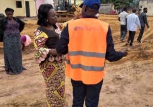 Kin/Lukunga : la deputée Solange Masumbuko palpe l'evolution des travaux à Dumez