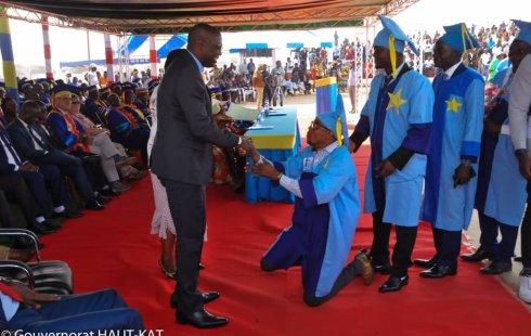 """Corruption à l'Unilu : """"Circuits"""" et """"Recommandations"""" surclassent """"PST"""" et """"Les enfants d'abord"""" ( Enquête de Alain Konso B., Papy Maotela M. Kamangu & Junior K. Ntumba)"""
