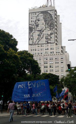 Buenos Aires, Argentina. Manifestação dos trabalhadores no dia da abertura dos trabalhos no Congresso.
