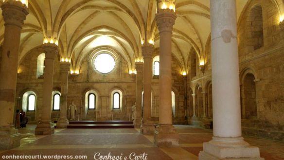 Mosteiro de Alcobaça, Portugal, o refeitório.