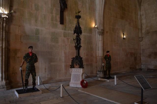 A Sala do Capítulo do Mosteiro da Batalha abriga o Monumento aos Soldados Desconhecidos. Foto: Mary