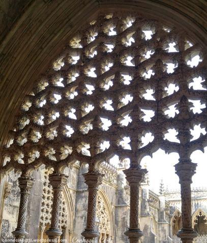 Mosteiro da Batalha. Detalhe dos arcos do Claustro D. João I.