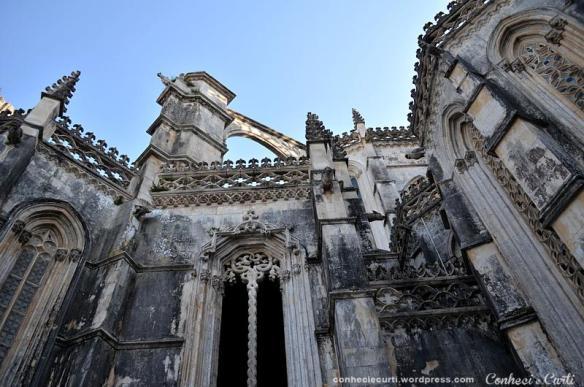mosteiro-da-batalha-vista-externa-detalhes