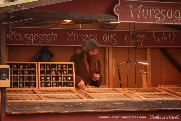 Vendedor Medieval na feira de Natal de Bremen