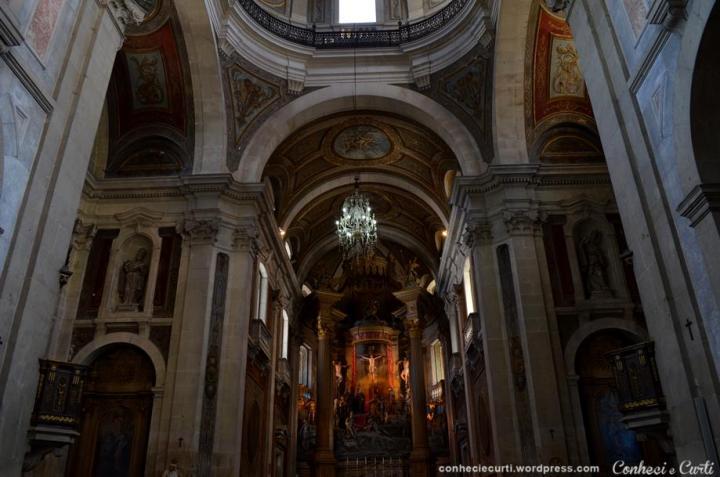 Interior da Igreja do Bom Jesus do Monte, Braga - Portugal.