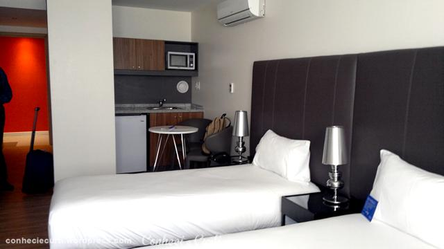 Quarto do Hotel Regency Way e o
