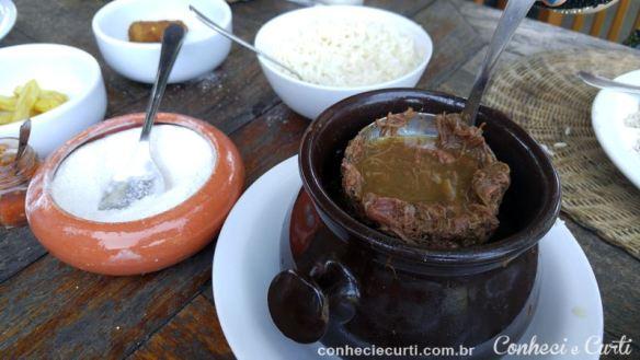 Barreado, prato típico do litoral do Paraná.