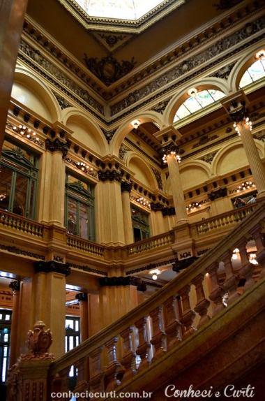 Escadarias do Teatro Colón. Buenos Aires - Argentina