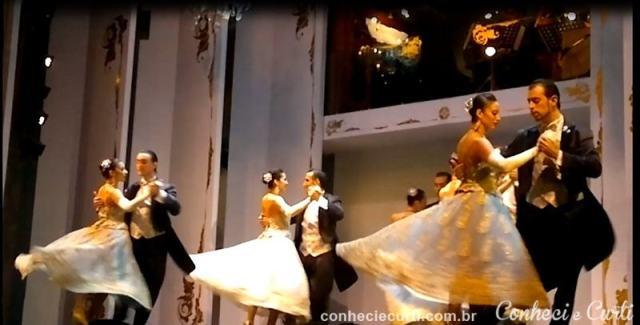 Tango no Café de los Angelitos em Buenos Aires.