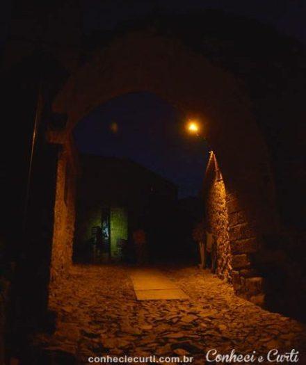 Castelo Rodrigo, a porta da vila.