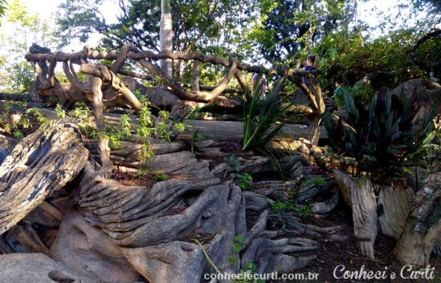 Obra de Chico Cascateiro no Parque das Águas em Caxambu.