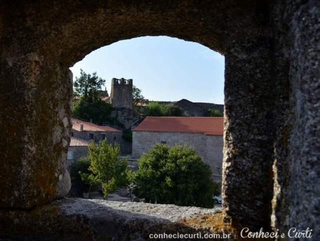 A torre sineira da aldeia de Sortelha.