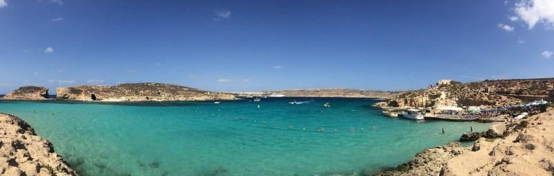Blue Lagoon em Comino, Malta. Mar Mediterrâneo.