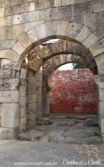 Porta Norte na Aldeia Histórica de Idanha-a-Velha, Portugal.
