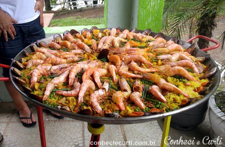 Paella Valenciana no 11º Encontro da Família Chueire.