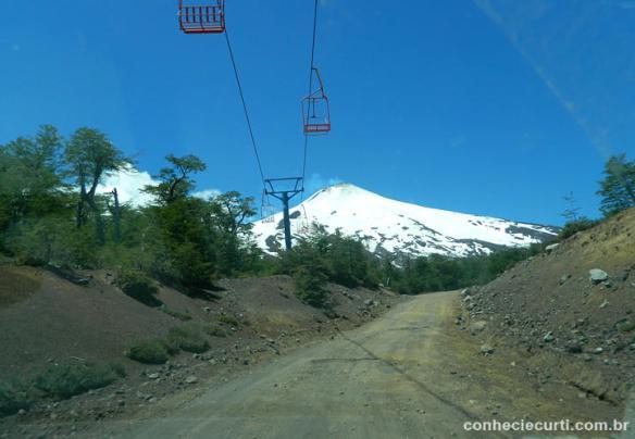 Estrada para o vulcão Villarica, Pucón - Chile.