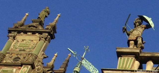 Detalhe da fachada do edifício da Prefeitura (Rathaus) de Bremen.