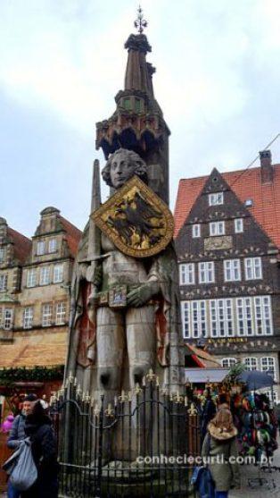 Estátua do Roland na Markplatz em Bremen, Alemanha.