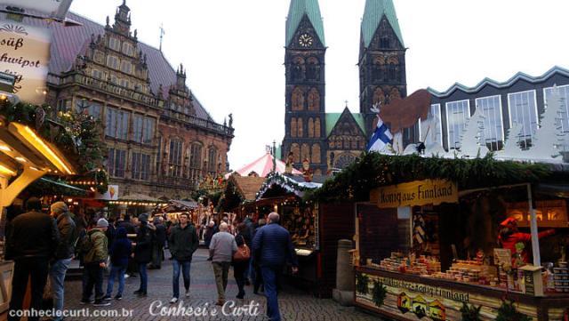 A Feira de Natal na Markplatz de Bremen, Alemanha.