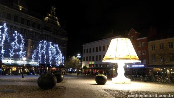 A praça Lilla Torg enfeitada para o Natal, Malmö - Suécia