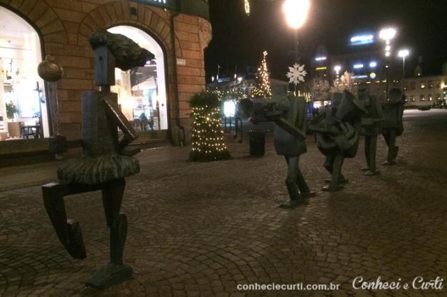 A Orquestra Otimista. Escultura de Yngve Lundell criada em 1985. Malmö, Suécia.