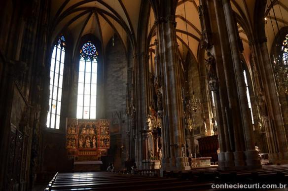 O interior da Catedral de São Estevão.