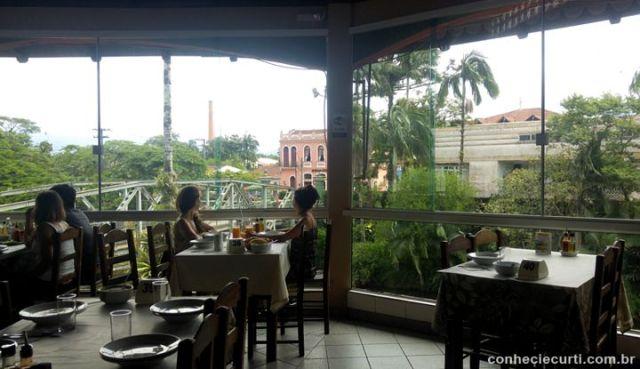 Restaurante Ponte Velha em Morretes.
