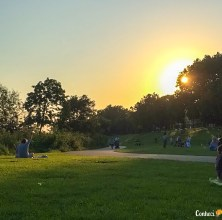 No verão dá aproveitar o parque até 22h.