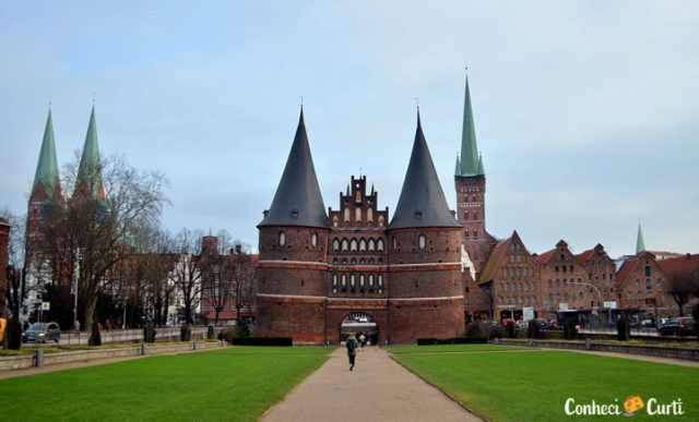 Holstentor, o portão de Lübeck, Germany.
