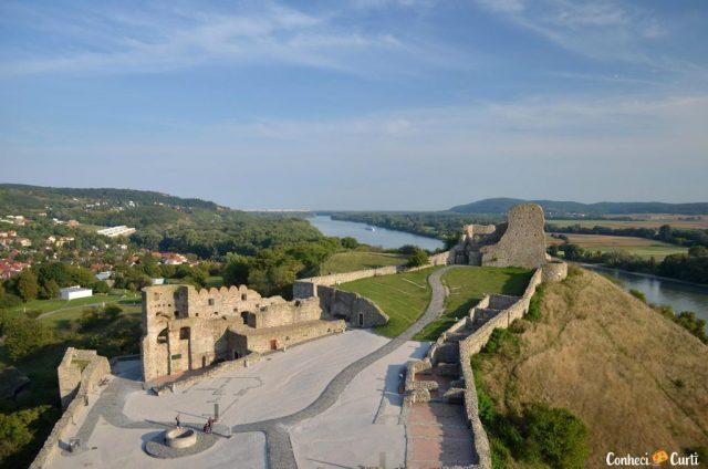 As ruínas do Castelo Devín