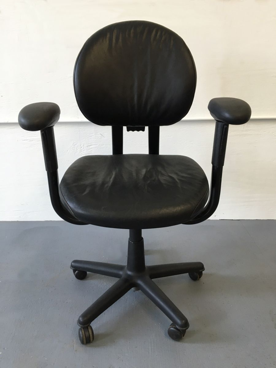 Steelcase Criterion Chair Large Inventories Of Steelcase Criterion Desk Chairs In Fabric And