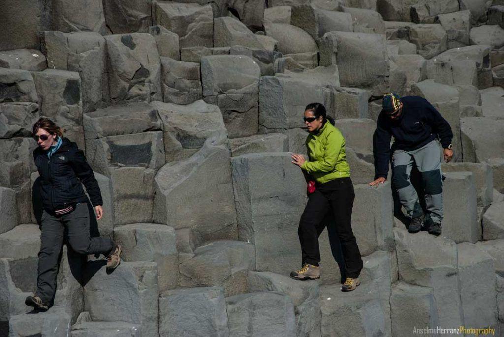 Basalto en la playa Reynisfjara - Islandia