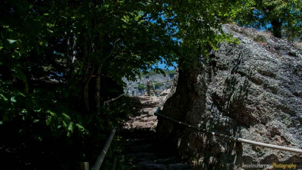 Escaleras Acceso Laguna Negra - Soria