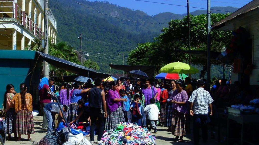 Mercado Local de Lanquín - Guatemala