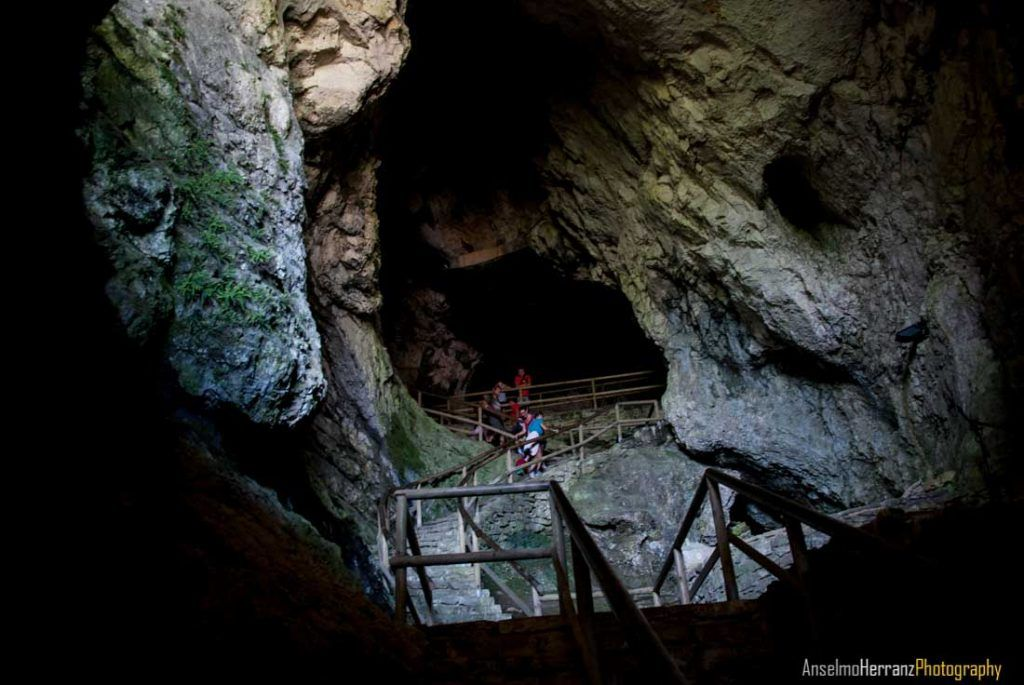 Cueva del Castillo de Predjama - Eslovenia