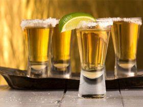 Tequila mexicano con sal y limón