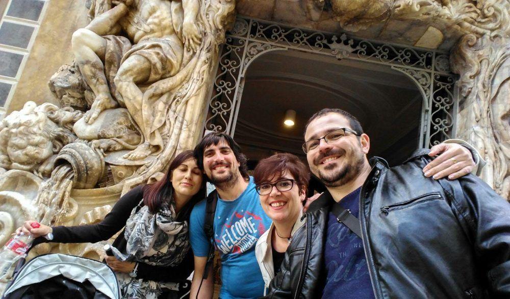En la puerta del Museo del Marques de Dos Aguas - Valencia