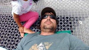Descansando en el Catamaran durante el regreso desde las Ilhas Desertas - Madeira, Portugal