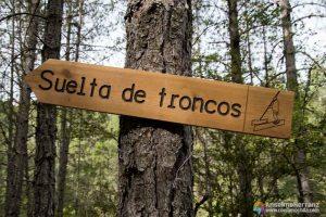 Cartel que indica el lugar de la Suelta de Troncos de los Gancheros del Alto Tajo
