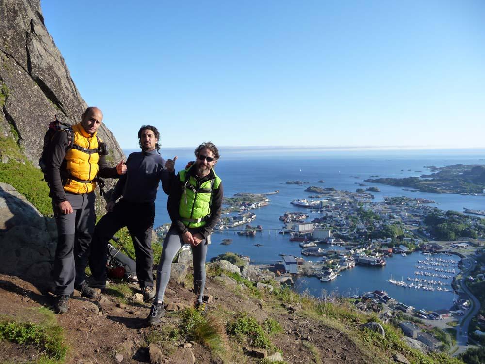 Posando Tras el descenso - Svolvaergeita - Noruega
