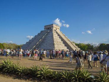 Equinoccio en Chichen Itzá – Descenso de la serpiente emplumada; descenso de Kukulkan