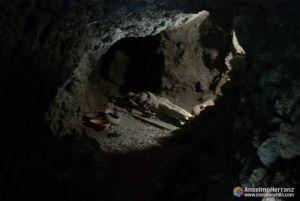 Enterramiento en las cuevas del jardín botánico del Drago Milenario - Icod de los Vinos - Tenerife