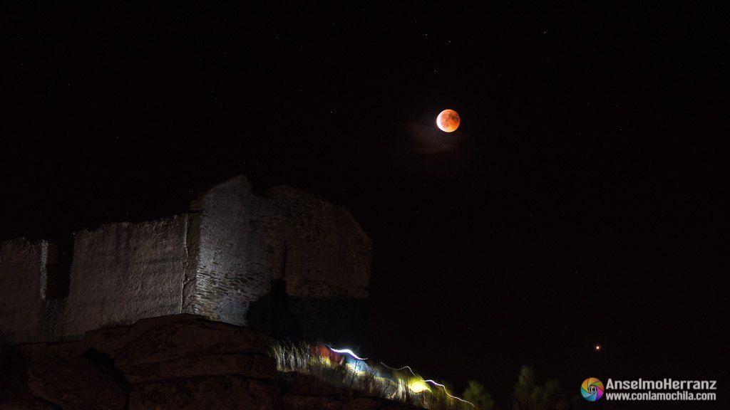 Ermita de San Isidro y eclipse total de luna - Julio 2018